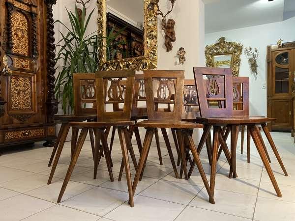 12 originale Bauernsessel Sessel Harfenstühle Nussholz Traumensemble A2183