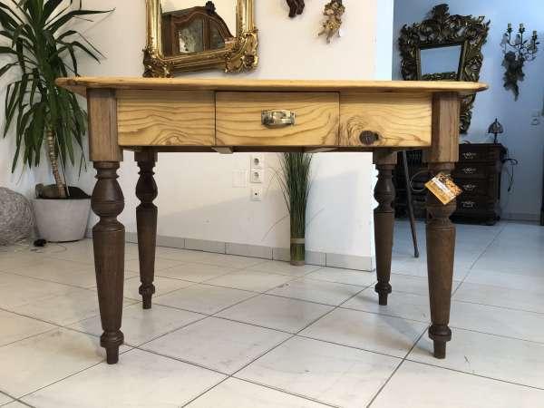 massiver alter Bauerntisch Beistelltisch Küchentisch Tisch Z1361