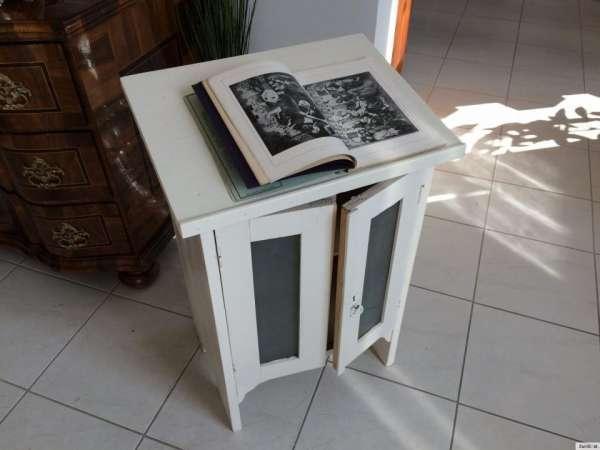 seltenes Kinderpult Lesepult Tisch Kinderschrank Büchertisch A1079