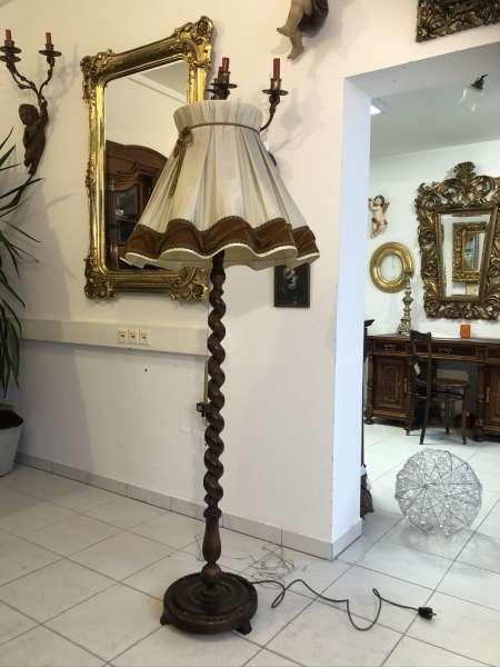 Stehlampe Antikstil Holz reich beschnitzt Klassizismus Z2222