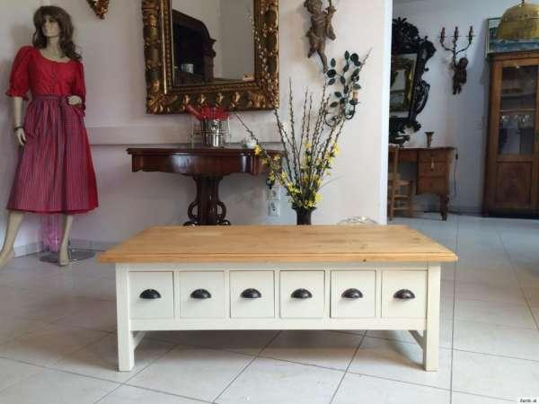 stilvoller Couchtisch Tisch Landhausmöbel Ladentisch Nr 9015