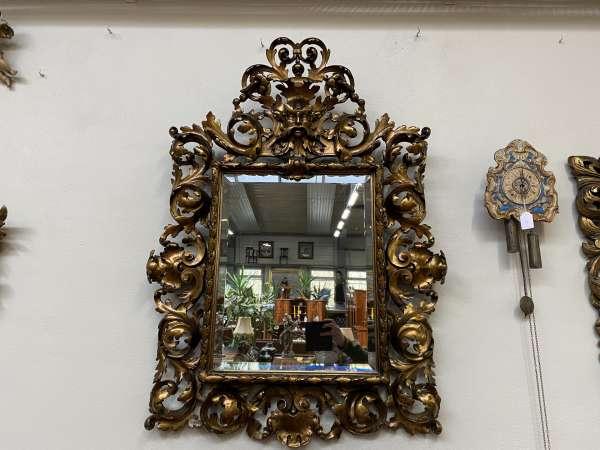 prächtiger Florentinerspiegel Ritterspiegel vergoldet Akanthusblatt A2357