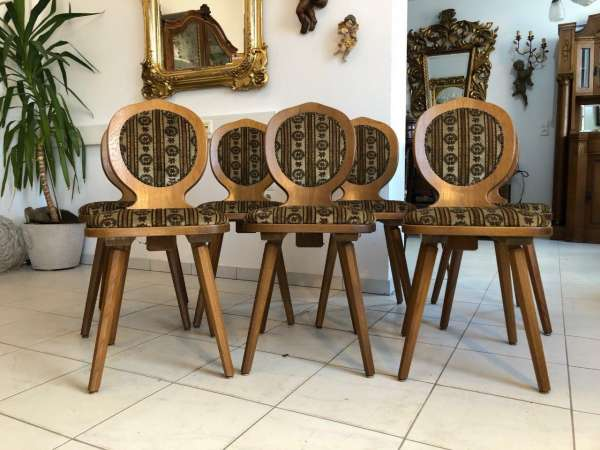 7er Ensemble von bäuerlichen Medaillon Stühlen Bauernsessel Z1182