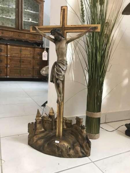 Neogotik Kruzifix Standkreuz Dreinageltypus Golgatha farbig gefasst W3545