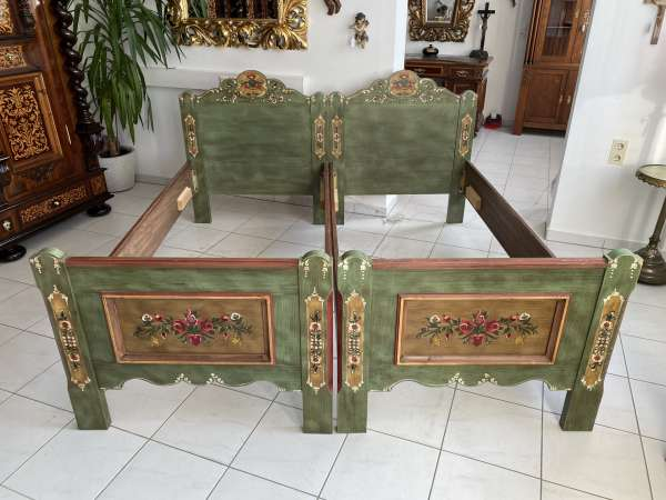 handbemaltes Voglauer Doppelbett Bett A2144