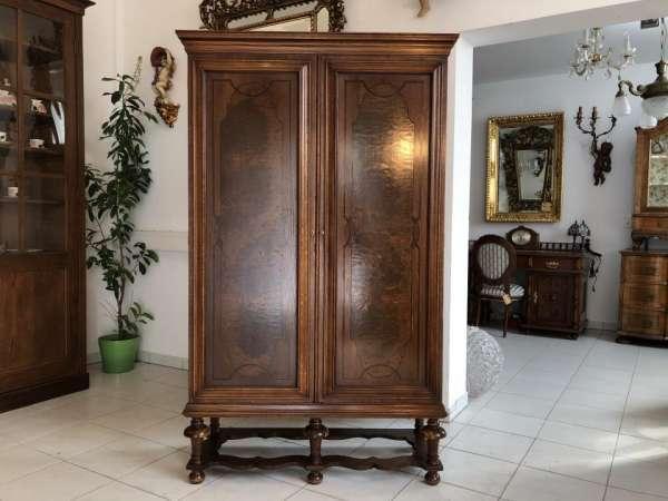 hübscher Stollenschrank Fernsehschrank Wurzelholz Stil X1595
