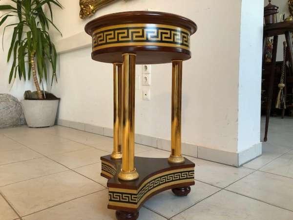 hübsches Tischerl im Stile des Barock Z1178