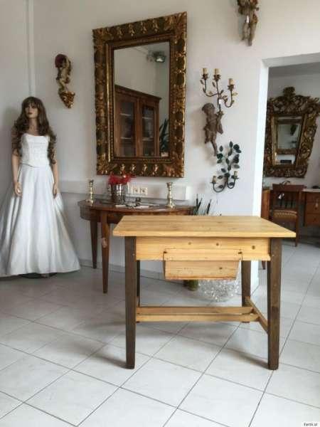 uriger alter Bauerntisch Beistelltisch Küchentisch Tisch alt massiv A1272