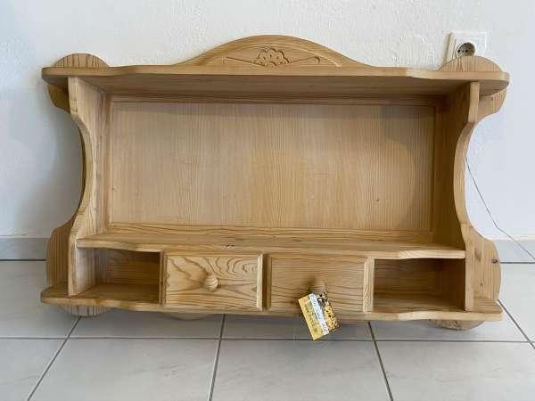 hübsches altes bäuerliches Zirbenholz Wandregal Stellage Kasterl E1873
