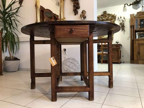 alter bäauerlicher Klapptisch Beistelltisch Wangentisch Tisch Z2104