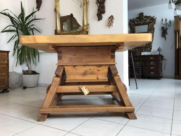 alter Jogltisch Tisch Bauerntisch Landhaustisch Naturholz Z1349