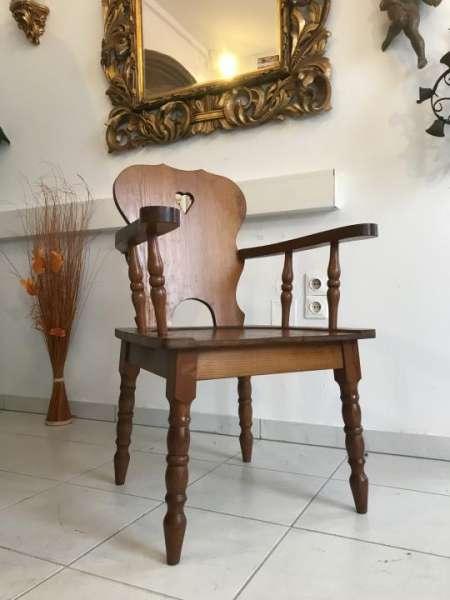 uriger Bauernsessel Stuhl Sessel Armlehnstuhl Zierbelkiefer W3323